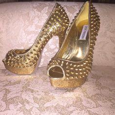 "Selling this ""Steve Madden 3D Gold Glitter Spike Platform Heels"" in my Poshmark closet! My username is: blumoon3. #shopmycloset #poshmark #fashion #shopping #style #forsale #Steve Madden #Shoes"