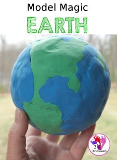 Model Magic Earth Craft - a super simple craft that different ages can make that works great for a fine motor craft for Earth Day or learning about space - 3Dinosaurs.com Fun Arts And Crafts, Easy Crafts, Science Activities, Activities For Kids, Planet Crafts, Earth Craft, Model Magic, Space Theme, Finger Painting