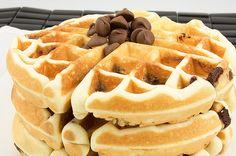 dessert waffles recipe, recipe for dessert waffles, belgian waffle street food, easy chocolate chips waffles recipe
