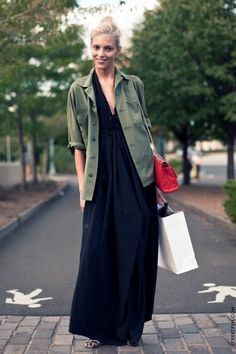 Polish old beauty Anja Rubik is the model to watch out for. Rubik street style has been caught on many cameras. Her effortless look is . Street Style, Street Chic, Street Wear, Looks Style, Style Me, Club Style, A Well Traveled Woman, Military Looks, Military Jacket
