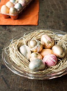 #PascoaPanelinha: Ovos decorados no centro de mesa