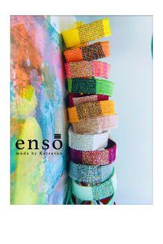 Weaving Textiles, Weaving Patterns, Tapestry Weaving, Fabric Bracelets, Woven Bracelets, Handmade Bracelets, Weaving Loom Diy, Bead Weaving, Textile Jewelry
