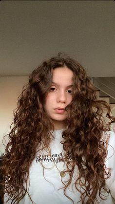 Curled Hairstyles, Hairstyles Haircuts, Pretty Hairstyles, Long Black Hair, Long Curly Hair, Natural Hair Styles, Long Hair Styles, Aesthetic Hair, Gorgeous Hair