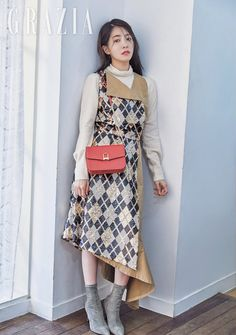 Jung In Sun in Grazia Pictorial After Successful Drama Lead Role in Terius Behind Me Jung In, Lead Role, Korean Star, Korean Actresses, Losing Her, Behind, Korean Drama, High Waisted Skirt, Actors