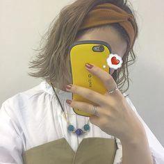 やっぱりボブって無敵かも♂️♂️ ワンカールと外ハネで印象がだいぶ変わる . . . . #Lattice#LesSignes#code#fashion#hair#haircolor#hairarrange#ボブ#切りっぱなしボブ #ターバン#外ハネ#お洒落さんと繋がりたい#ハイトーン#ヘアアレンジ#セルフネイル#髪色いい感じに落ちた#インスタライブしたい