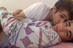 love men boys & kiss