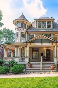 Victorian Style Homes, Victorian Decor, Stairs Architecture, Victorian Architecture, Beautiful Buildings, Beautiful Homes, Chelsea Michigan, 1920s Interior Design, Craftsman Kitchen
