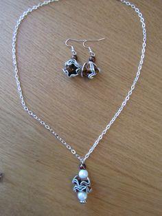 Parure collier artisanal pendentif fleurs nespresso marron & perles