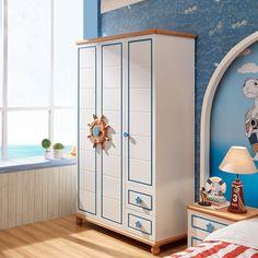 Детский белый шкаф с голубым обрамлением из массива дерева в морском стиле со штурвалом вместо ручек купить в интернет-магазине https://lafred.ru/catalog/catalog/detail/45852308112/