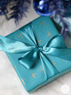 Creative Holiday Wrapping Ideas #DIY @Staples #LessStress #InspiredbyStaples