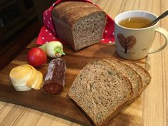 Teljeskiőrlésű kenyér magvakkal