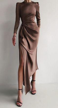Elegant Dresses, Pretty Dresses, Beautiful Dresses, Casual Dresses, Fashion Dresses, Glamouröse Outfits, Classy Outfits, Evening Outfits, Evening Dresses