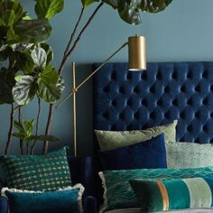 A velvet headboard adds a touch of luxury to any room # bedroom # blue . Blue Bedroom Decor, Home Bedroom, Modern Bedroom, Bedroom Furniture, Bedroom Ideas, Blue And Gold Bedroom, Blue Bedrooms, Indigo Bedroom, Colourful Bedroom