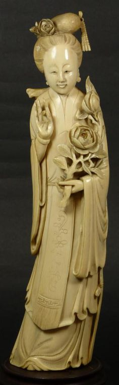 ANTIQUE CHINESE HAND CARVED IVORY QUAN YIN FIGURE