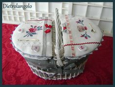"magnifique panier ""digoin"" I enjoy seeing needlework ideas from other places! Embroidery Applique, Cross Stitch Embroidery, Stitch Box, Wicker Picnic Basket, Cross Stitch Kitchen, Cross Stitch Finishing, Shabby Chic Crafts, Sewing Baskets, Basket Decoration"