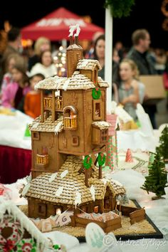The Burrow from Harry Potter made out of gingerbread. How awesome!
