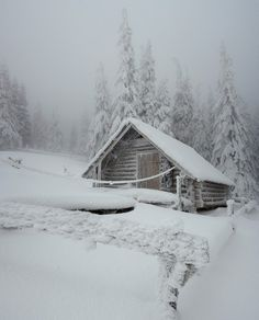 Log Cabin in snow. Kieta- here's our New Years Eve cabin. Maybe a little less snow. Winter Szenen, Winter Cabin, Winter Love, Winter Christmas, Merry Christmas, Cabin Christmas, Photos Du, Cool Photos, Amazing Photos