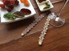 Tatting lace bracelet pdf pattern Victorian Romance por TheKimAndI