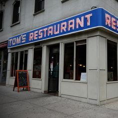 Seinfeld's Tom's Restaurant -- 14 Iconic TV Show Restaurants You Can Eat At In Real Life Jerry Seinfeld, Upper West Side, New York City Travel, London Travel, Tom's Diner, Cafe Nyc, Black And White Cookies, Usa Holidays, Nyc Restaurants