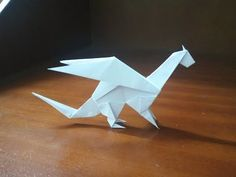 Origami Easy Dragon - How To Make a paper dragon Origami Flapping Bird, Instruções Origami, Useful Origami, Paper Crafts Origami, Oragami, Paper Dragon Craft, Cool Paper Crafts, Dragon Crafts, Easy Origami Dragon