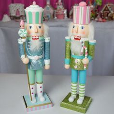 Belle Candy Nutcrackers - Wood How to Crafts Shabby Chic Christmas, Pink Christmas, Christmas Candy, Christmas And New Year, Vintage Christmas, Christmas Holidays, Xmas, Christmas Ornaments, Nutcracker Christmas Decorations