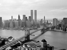 #Brooklyn Bridge and World Trade Center, Woolworth Tower to the right 1978, Christian Soto collection https://www.facebook.com/idealpropertiesgroup/photos/a.437113292977802.94994.113361655352969/1034370393252086/?type=3&theater