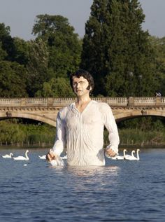 Giant statue of Mr Darcy unveiled in London park · The Daily Edge