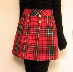 ooohhh red... and tartan... pretty!