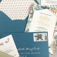 The wedding invitation trends 2019 couples must see - weddingwire Colorful Wedding Invitations, Wedding Invitation Trends, Budget Wedding Invitations, Save The Date Invitations, Watercolor Wedding Invitations, Invitation Envelopes, Wedding Stationery, Invitations Online, Invitation Ideas