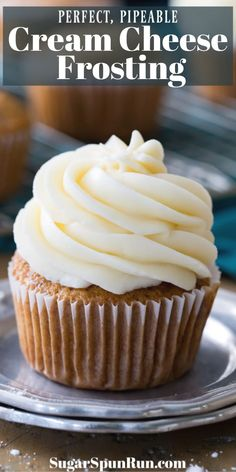 This is my family favorite BEST cream cheese frosting recipe! It goes great on Carrot Cake, Red Velvet Cake, and just about any other flavor cake or cupcake you can imagine. I've been making this cream cheese icing for years! Carrot Cake Frosting, Cupcake Frosting Recipes, Homemade Frosting, Cupcake Cakes, Icing Frosting, Vanilla Cupcake Frosting, Cake Icing Recipe Easy, Carrot Cake Cupcakes, Sugar Icing