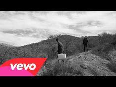 Videos Musicales(#músicaactual #FF) y letra de #Rock  #FallOutBoy - Miss Missing You www.sonolatino.com/fall-out-boy/miss-missing-you-video_139fcb162.html