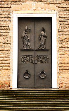 PADUA BAPTISTERY BRONZE DOOR  Bronze Doors of St. Anthony Destroyed Titians Damaged by Bombs.
