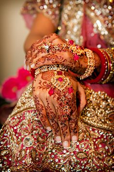 Indian bride- look at that henna!