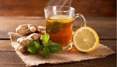 Lemon water gives many benefits but will have greater when drunk at night. Read on to know how it helps the body and ways to drink lemon water before bed. Ginger Mint Tea Recipe, Ginger Lemon Tea, Ginger Water, Ginger Juice, Ginger Drink, Juice 2, Fresh Ginger, Lose Weight Naturally, How To Lose Weight Fast