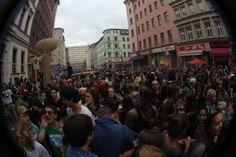 Der 1. Mai in Deutschland: http://blog.timply.com/abenteuer/der-1-mai-in-deutschland/  #berlin