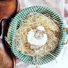 Alleluja!  ______________________ #easter   #easter2017  #easteregg   #violin   #violino #violinist   #geige   #skrzypce   #eastertime   #basket   #egg   #eastereggs   #easterweekend   #holidays   #easterfun   #spring #jj_musicislife   #bestmusicshots  #classicfm   #april   #artist   #art   #decor   #inspiration   #sheep   #instagood   #instamood