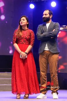 Best 12 Fahadh & Nazriya at Kairali Tv Ishal Laila 2016 Indian Wedding Guest Dress, Dress Indian Style, Indian Outfits, Wedding Dress, Frocks And Gowns, Marriage Dress, Indian Party Wear, Engagement Dresses, Indian Gowns
