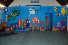 Nemo mural...wouldn't you like to sleep in a bedroom like this!?