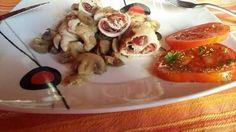 """""""Pollo accappottato con champignon"""" https://lagraziaintavola.wordpress.com/2015/09/04/involtini-accappottati-con-champignon-alla-grazia/ Da """"la Grazia in tavola"""""""