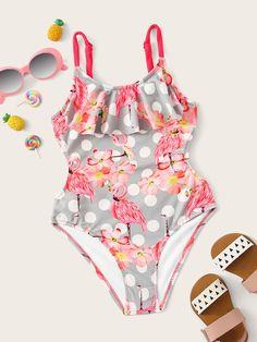 To find out about the Toddler Girls Flower & Flamingo Print One Piece Swim at SHEIN, part of our latest Toddler Girl Swimwear ready to shop online today! Flounce Bikini, Girls Bathing Suits, Flamingo Print, Cute Toddlers, Swimming Costume, Cute Swimsuits, One Piece Swimwear, Girls Shopping, Teen Fashion