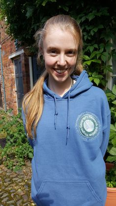 We have received a new hoodie with the beautifully embroidered Frugeo stamp logo (2016)
