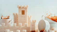 Foto del giorno: Il castello di zucchero - http://www.eannunci.com/blog/foto-del-giorno-il-castello-di-zucchero/ - #Castello, #Tazza, #Tè, #Zucchero - Alla ricerca di qualcosa di speciale ho trovato questa foto. Un fiabesco castello per dare un tocco di romanticismo alle tue feste. Sono tante le idee e le possibilità per rendere divertenti e simpatici i vostri compleanni o anniversari. Dolci a tema prendono vita dall'amore per la decorazione. S...