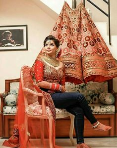 Wedding Gifts To Make Beautiful 27 Ideas Indian Wedding Photography Poses, Indian Wedding Photos, Indian Bridal Outfits, Indian Bridal Fashion, Bride Photography, Bridal Poses, Bridal Shoot, Wedding Photoshoot, Wedding Shoot