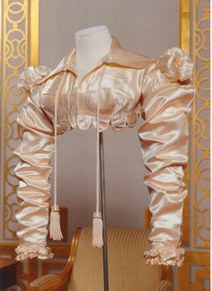 I love this 1818 Cream silk satin spencer! Proof that not all spencer jackets need to be linen, wool, or broadcloth!