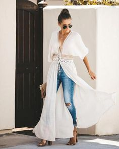 Get festival ready in our Hemingway Duster Kimono! A gauzy woven fabrication shapes this beautifully boho kimono that dual ties in the center with trimmed sheer embroidery at the waist. Perfect with cut offs and Sweater Outfits, Boho Outfits, Cute Outfits, Fashion Outfits, Fall Outfits, Boho Kimono, Kimono Fashion, Boho Fashion, Bohemian Mode