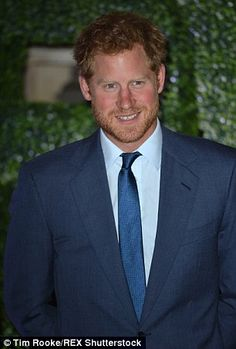 Prince Harry pictured outside tonight's Rugby World Cup welcoming reception with his much talked-about new beard Prince Harry Born, Prince Harry Of Wales, Prince William And Harry, Prince Henry, Royal Prince, Prince Harry And Meghan, Albert Windsor, Prince Harry Pictures, Prinz Harry