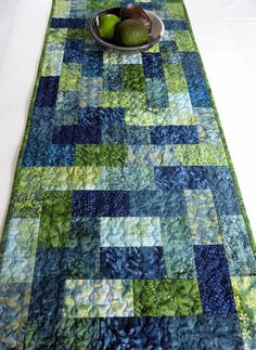 Patchwork Table Runner, Table Runner And Placemats, Quilted Table Runners, Quilted Table Runner Patterns, Jelly Roll Quilt Patterns, Modern Quilt Patterns, Quilt Patterns Free, Table Topper Patterns, Quilted Table Toppers