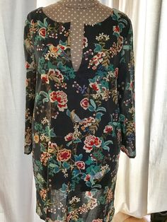 Esme tunic pattern by Lotta Jansdotter Tunic Pattern, Needle And Thread, Floral Tops, Sewing, Blouse, Women, Fashion, Moda, Dressmaking