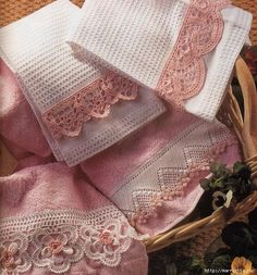 Schemes beautiful crochet trim for a towel Crochet Towel, Crochet Dollies, Crochet Lace Edging, Crochet Motifs, Crochet Borders, Thread Crochet, Crochet Trim, Irish Crochet, Crochet Stitches