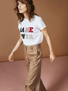 "Short-sleeved T-shirt in soft cotton with round neck and ""GAME OVER"" print at the chest. Create a contrast look and use the style with a feminine skirt or a suit. The style may shrink a bit after washing. Khaki Pants, Short Sleeves, Feminine, Suits, My Style, Cotton, T Shirt, Game, Fashion"
